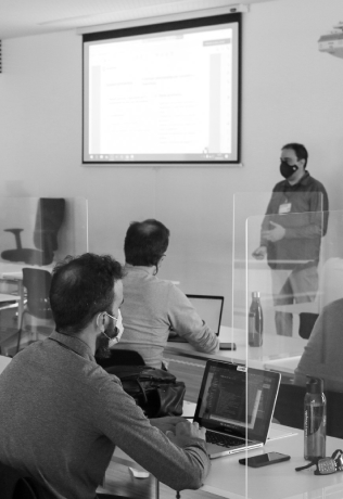Consultoría y Transformación Digital en GeeksHubs